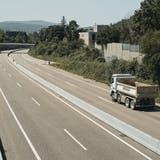 Die A22 bei Lausen hat zwar einen Flüsterbelag, Lärm macht sie aber nach wie vor. (Bild: Roland Schmid)