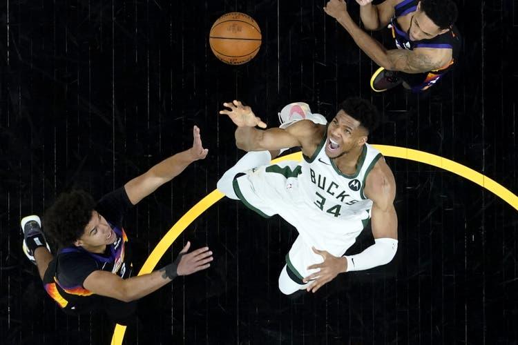Kaum zu stoppen: Giannis Antetokounmpo wurde zum besten Spieler des NBA-Finals gewählt.
