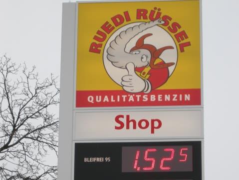 An zahlreichen Ruedi-Rüssel-Tankstellen wird künftig ein Avec-Shop stehen.