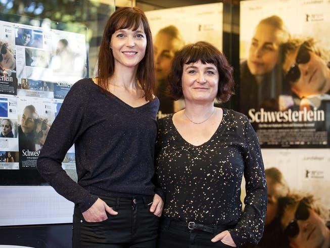 Die Regisseurinnen Veronique Reymond (links) und Stephanie Chuat. Ihr Film «Schwesterlein» wurde 2021 als bester Spielfilm ausgezeichnet.