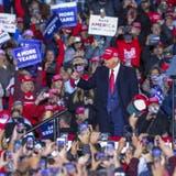 Da dachte er noch, er könne die Präsidentenwahl legitim gewinnen: Der letzte Auftritt Donald Trumps vor dem Wahltag am 3. November 2020. (Branden Camp / EPA)