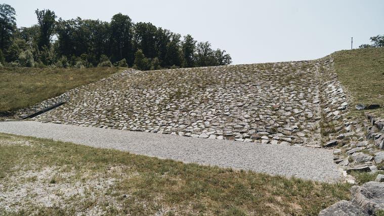 Hochwasserschutz in Allschwil: Der bestehende Damm am Mühlibach soll durch einen Damm am Lützelbach erweitert werden (Roland Schmid)