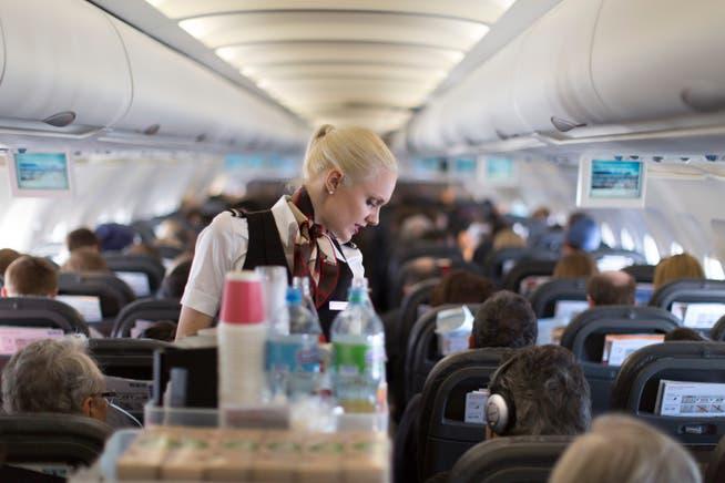 Paradox: Trotz Stellenabbau kämpft die Swiss beim Einsatzplan der Flight Attendants mit einem Personalengpass.