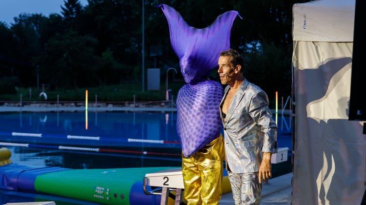 Auftritt Komikerduo Oropax im Schwimmbad Grenchen (Hanspeter Bärtschi / SZ)