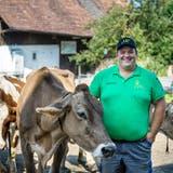 Domenic Schneider übernimmt bald den Landwirtschaftsbetrieb seiner Eltern in Friltschen. (Bild: Reto Martin)