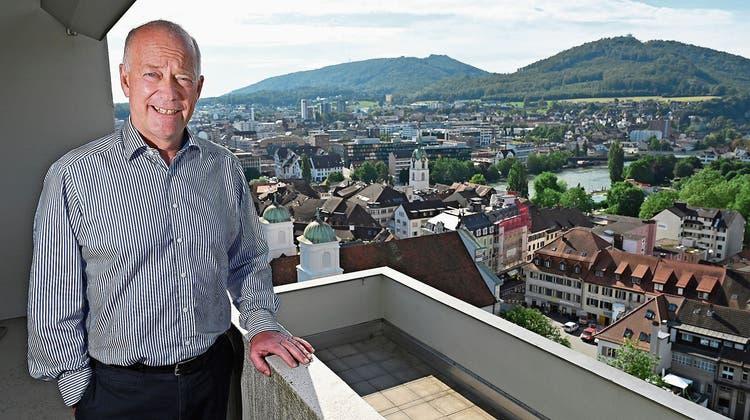 Martin Wey auf der Terrasse des Stadthauses im elften Stock: «Ich hoffe, die Leute merken möglichst bald, dass ich nicht mehr im Amt bin.» (Bruno Kissling)