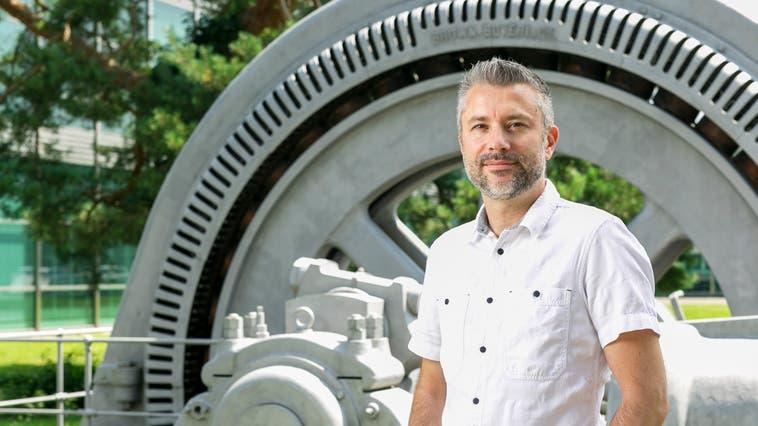 Die Dampfmaschine Sulzer auf dem Campus Brugg-Windisch stammt aus der Zeitepoche, in welcher der Roman von Philipp Brutschi spielt. (Sandra Ardizzone)