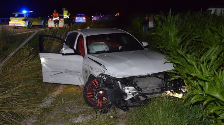 Kollision auf der Überholspur – Fahrerin mit Helikopter ins Spital geflogen