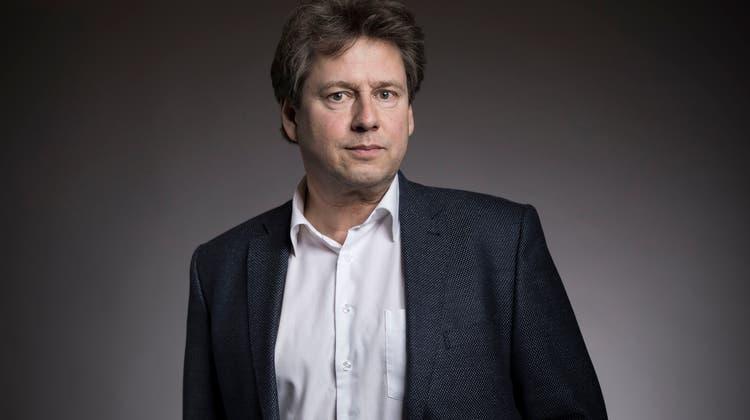 Uni-Professor Reiner Eichenberger vertritt eine pointierte Meinung zum Stadt-Land-Graben. (zvg)