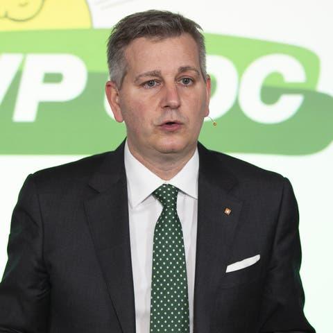 SVP-Präsident Marco Chiesa weibelte für mehr Steuerprivilegien für reiche Ausländer.