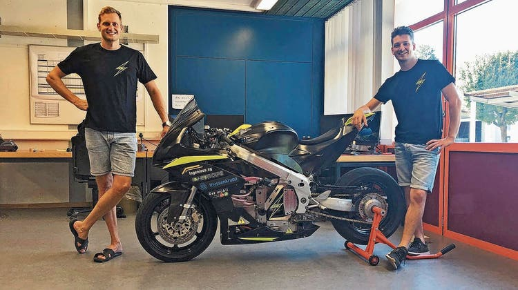Maschinenbaustudierende bauen E-Motorrad