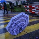 Glück gehabt: Das Unwetter blieb diesmal aus, der Aargau klam mit viel Regen davon. (Symbolbild) (Keystone/Salvatore Di Nolfi)