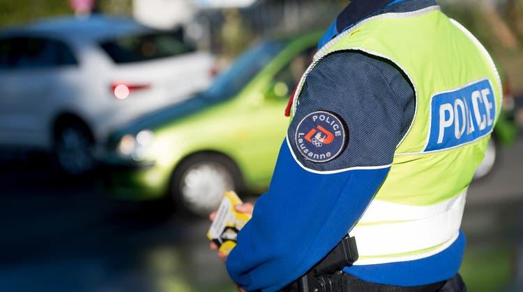 Die Kantonspolizei Waadt untersucht, den Unfallhergang. (Symbolbild) (Keystone)