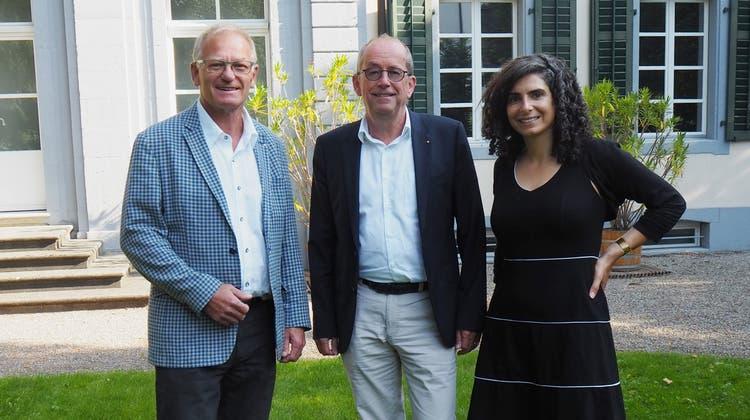 V.l.n.r: Daniel Lüscher (Stiftungsratspräsident), Mathias Grünenfelder (zukünftiger Stiftungsratspräsident) undDanièle Turkier (Geschäftsführerin). (zvg)