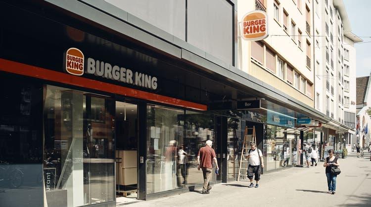 Bald soll er öffnen: Die neue Filiale des«Burger King» in der Unteren Rebgasse. (Roland Schmid)