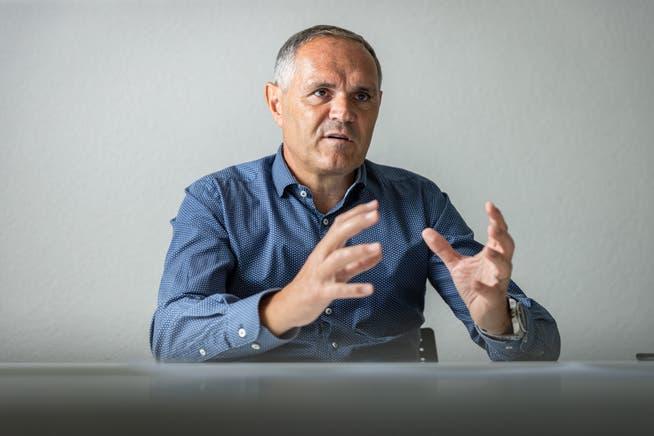 Pierluigi Tami, Direktor er Schweizer Fussball Nationalmannschaft, muss den neuen Trainer finden. Im Notfall könnte er selbst interimistisch einspringen.