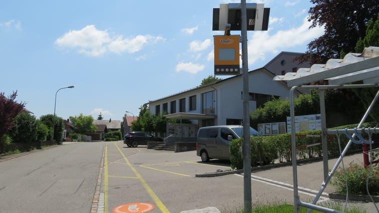 Die Taxito-Haltestelle in Buttwil beim Gemeindehaus. (Marc Ribolla)