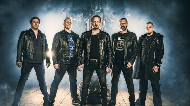 Old School Heavy Metal BandCrashtime aus Wangen bei Olten von links: René Waltisberg (Lead Guitar), René Barrer (Rythm Guitar), Alain Klay (Vocal), Daniel Wasmer(Bass) und Youssef Semlali(Drums). (Zvg)