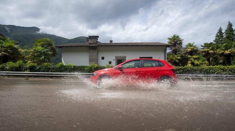 Im Tessin regnete es in der vergangenen Nacht fast durchgehend. (Symbolbild) (Keystone)