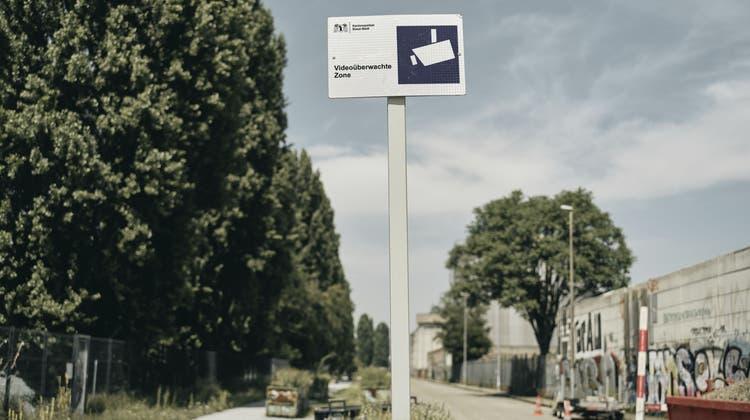 Videoüberwachung / videoüberwachte Zone an der Uferstrasse (Roland Schmid / BLZ)
