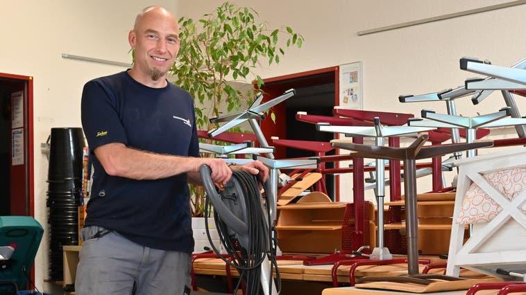 Marc Joss arbeitet oft im Hintergrund. Der 49-Jährige Hauswart will sich nun im Vorstand desSolothurner Fachverbandes für Hauswarte für eine Aufwertung des Berufsbildes engagieren. (Bruno Kissling)