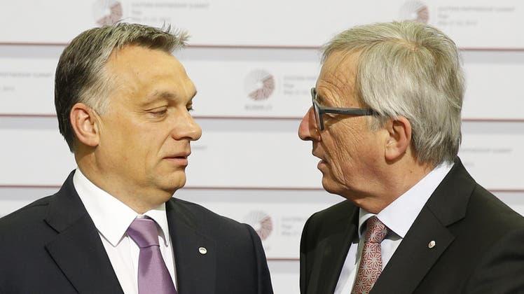 Einst Freunde, sind Viktor Orban und der ehemalige Kommissionspräsident Jean-Claude Juncker heuteheillos zerstritten. (Keystone)
