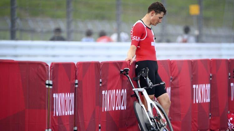 Stefan Küng wird Vierter beim Zeitfahr-Rennen Vierter. Die Medaille verpasst er äusserst knapp. (Thibault Camus / AP)