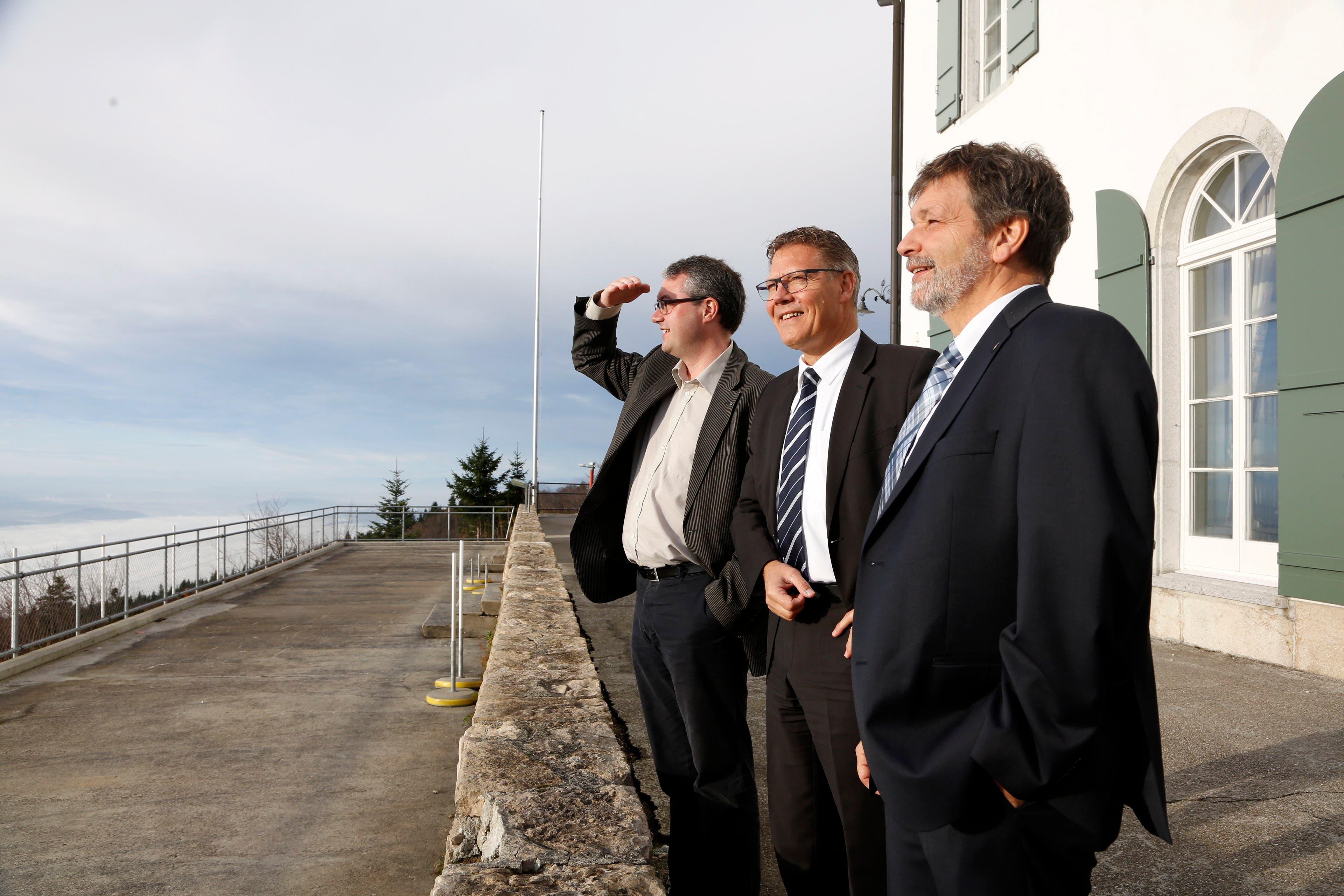 Hier posiert Roland anlässlich der 100 Tage im Amt zusammen mit den ebenfalls neu gewählten Kollegen Remo Ankli und Roland Heim auf dem Weissenstein.