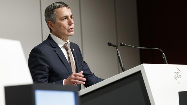 Aussenminister Ignazio Cassis wird sich am 1. August in einer virtuellen Rede an die Schweizer Gemeinden in Thailand richten. (Archivbild) (Bild: Keystone)