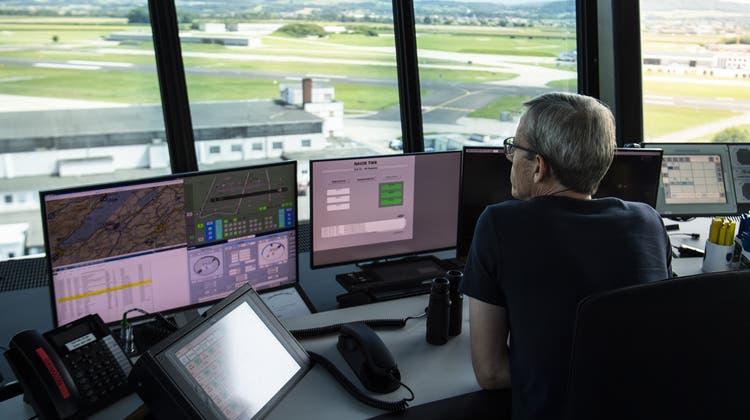 Skyguide kontrollierte im ersten Halbjahr weniger Flüge als im Vorjahr. (Symbolbild) (Keystone)