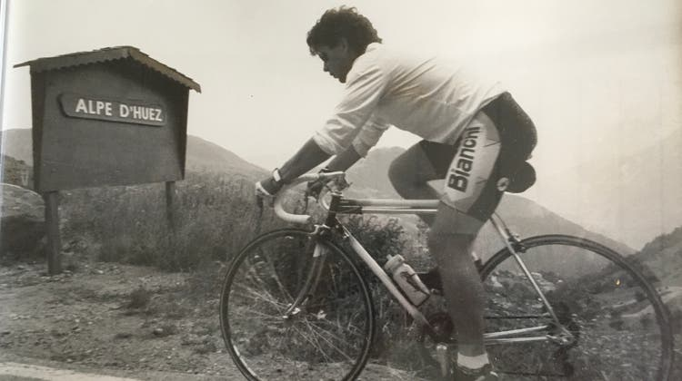 Es muss 1994 oder 1995 gewesen sein. Auf den Spuren der Tour-de-France-Profis unternahm die damalige Sportredaktion dieser Zeitung eine Rennvelo-Tour auf die «Alp der Leiden», die Alpe d'Huez. (Mac Huber)