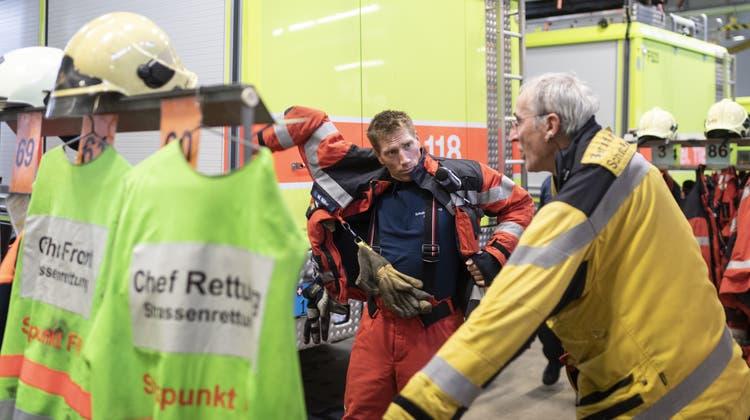 Auch die Feuerwehren sind auf Milizarbeit angewiesen. (Bild: Keystone)