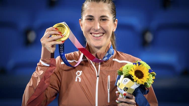 Die langersehnte Olympia-Goldmedaille. (Keystone)