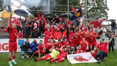 Der FC Iliria verteidigt den Pokal und gewinnt den Solothurner Cup zum dritten Mal innert sechs Jahren. (Patrick Lüthy)