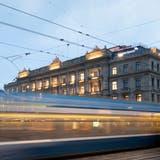 Verspricht neue Arbeitswelten: Die Credit Suisse am Zürcher Paradeplatz. (Walter Bieri / KEYSTONE)