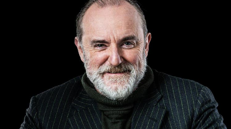 Autor, Psychoanalytiker, Satiriker: Als Hörspielerzähler bleibt Peter Schneider den Radiohörern erhalten. (SRF)