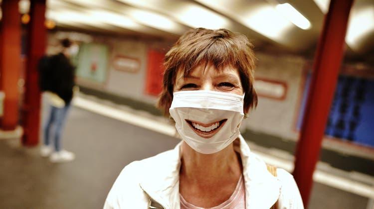 Trotz Krise: Gesunde Erwachsene hatten mehr zu lachen als gedacht. (Keystone)