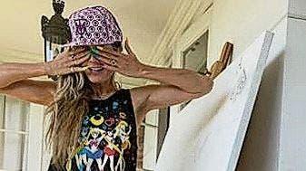 Heidi Klum malt jetzt auch: Wenn gelangweilte Promis Corona-Pseudokunst machen