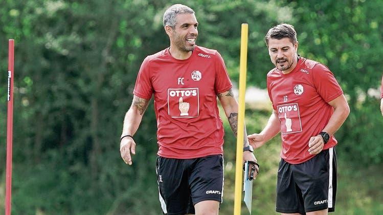 Gutgelauntes FCL-Trainerteam (von links): Chefcoach Fabio Celestini mit seinen Assistenten Lorenzo Guerrero und Claudio Lustenberger.
