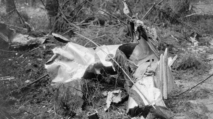 Eine Bombe brachte das Flugzeug der Swissair am 21. Februar 1970 in Würenlingen zum Absturz. (Keystone)