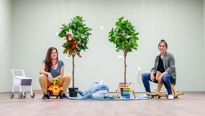 Die Kita Mamuchi zieht um: Maria Musico Hiu (links) und Simona Blandini in den neuen Räumlichkeiten. (Michel Lüthi)