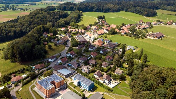 Im Blumenhaus Buchegg soll der Internatsbau aus dem Jahr 1970 ersetzt werden. (Oliver Menge)