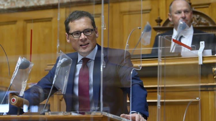 Roger Köppel am15. Juni 2021 im Nationalratssaal des Bundeshauses. (Anthony Anex / KEYSTONE)