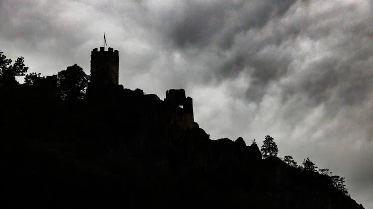 Die Ruine Neu Falkenstein wurde zur Filmkulisse. Mitglieder des Schlossvereins Falkenstein besuchent das Set für die Dreharbeiten des Films «Der Räuber Hotzenplotz». (Patrick Lüthy)