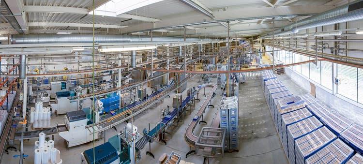 Ein Blick ins Innere der Hero-Fabrik in Lenzburg, 1. Stock