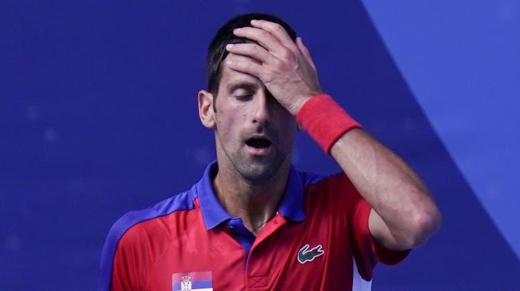 Dieser Ausraster von Novak Djokovic beschert unserem Olympia-Reporter in Tokio böse Zuschriften. (Rungroj Yongrit / EPA)