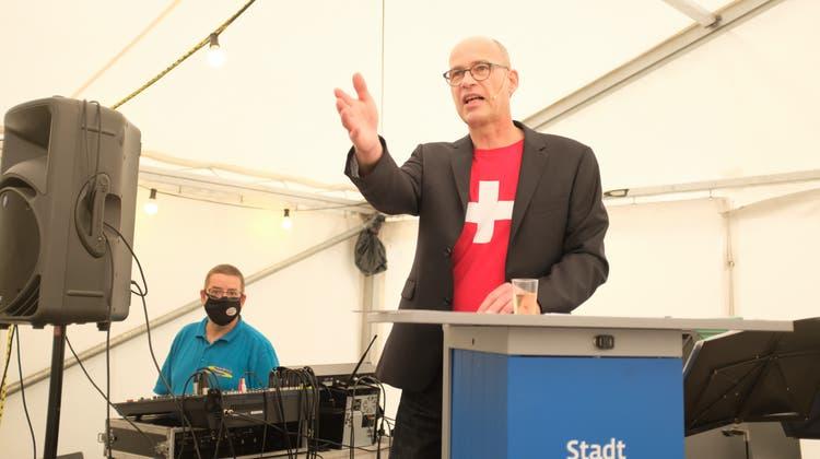 Traditionsgemäss hält die Ansprache zur Bundesfeier der Parlamentspräsident von Schlieren. Dieses Mal: Beat Kilchenmann (SVP). (Lukas Elser)
