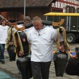 Die Treichelträger an der Bundesfeier in Pfyn. (Bild: Janine Bollhalder)