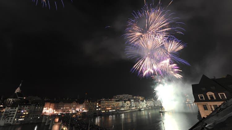 Ein Bild aus vergangenen Zeiten: Das Feuerwerk über Basel vor fünf Jahren. (Martin Toengi)