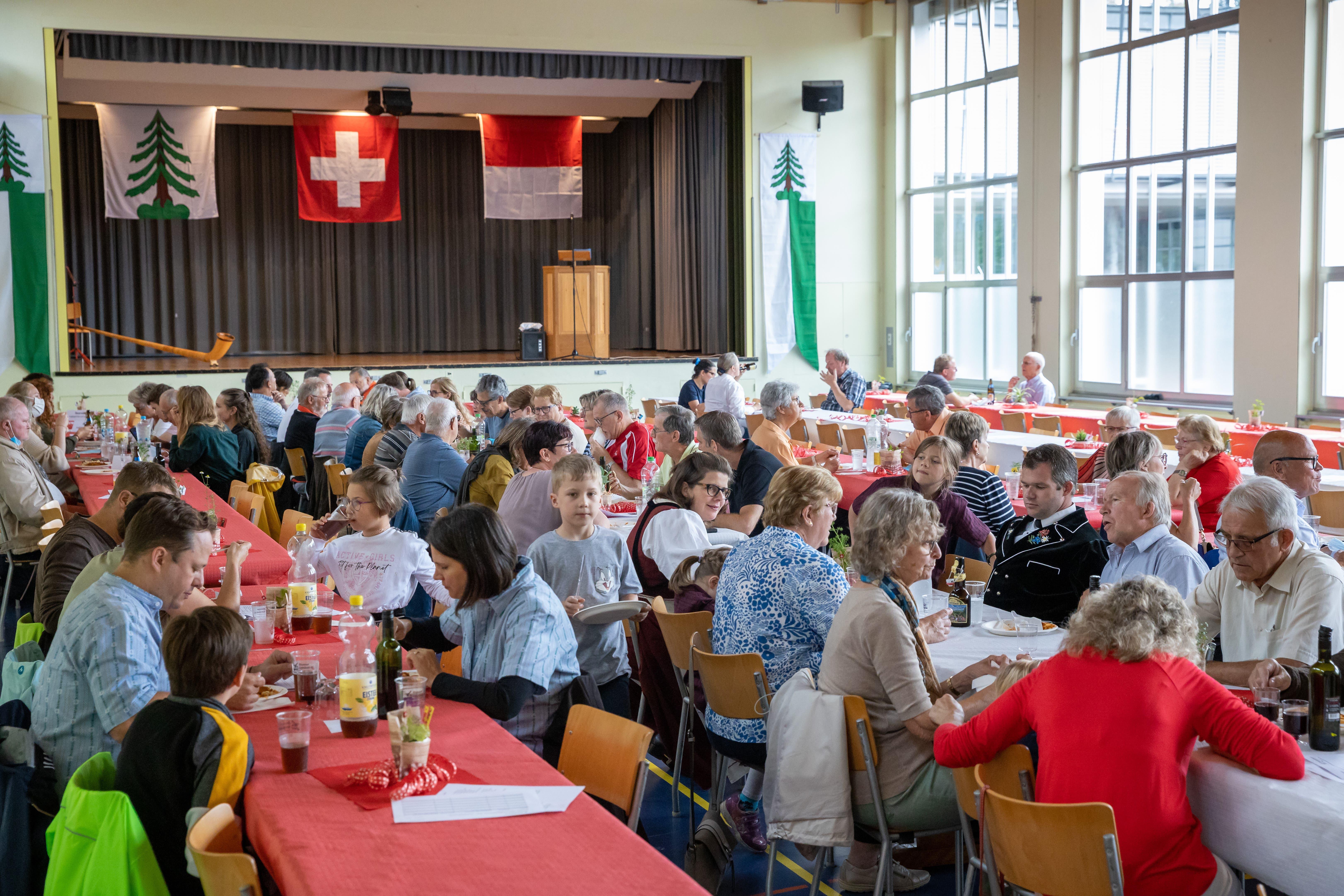 An der 1. August - Feier in Gretzenbach.